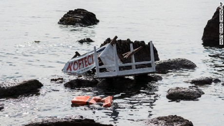 Migrant boat sinks off Turkish coast