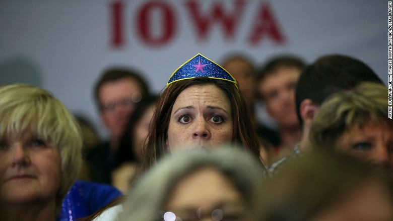 Trump, Clinton lead polls ahead of Iowa Caucuses
