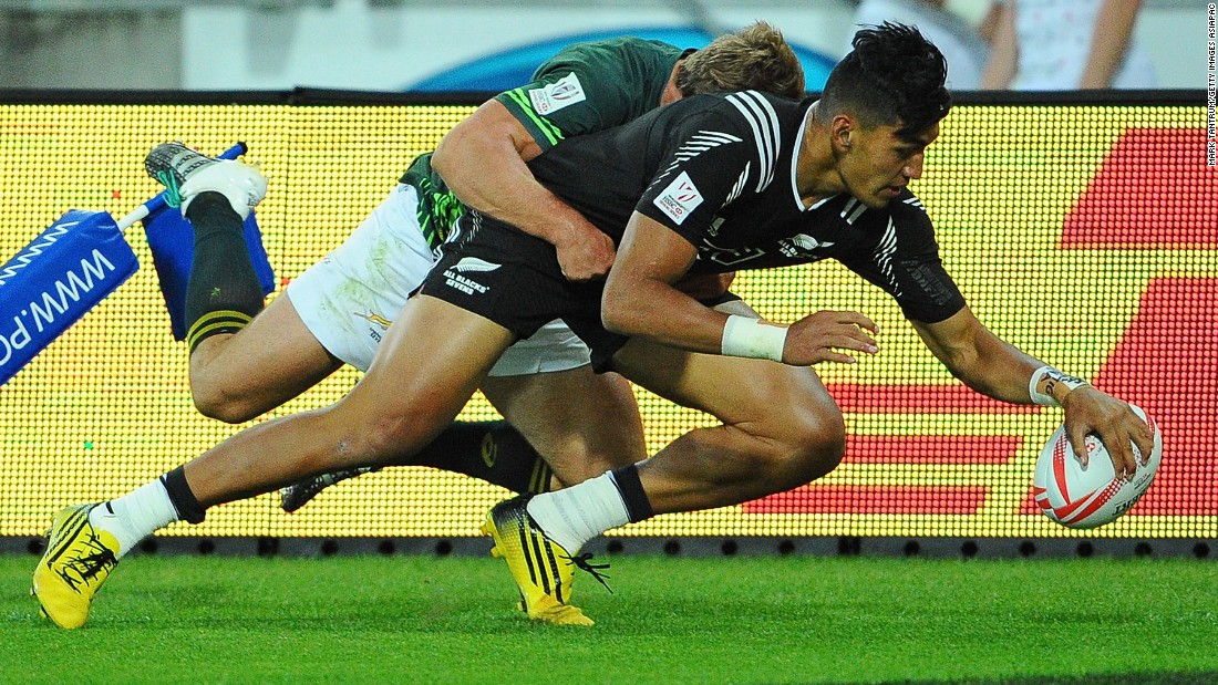 With Specman in the sin bin, Ioane's teenage brother Rieko took advantage to cross the line twice as the All Blacks closed to two points.