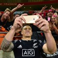 sonny bill williams selfie wellington sevens