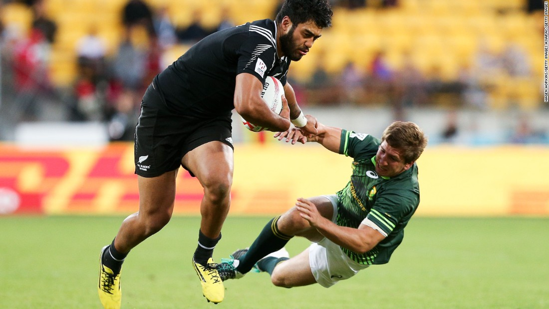 "Akira Ioane, <a href=""http://www.cnn.com/2014/03/26/sport/akira-ioane-new-zealand-rugby-sevens/"" target=""_blank"">once heralded as ""the next Jonah Lomu,""</a> kept New Zealand in the game with a touchdown of his own and superb try-saving tackle."