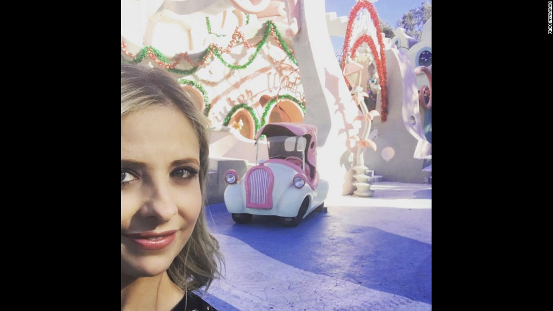 """Who can guess where I am?"" actress Sarah Michelle Gellar <a href=""https://www.instagram.com/p/BBDZPORsYxR/"" target=""_blank"">asked her Instagram followers</a> on Wednesday, January 27."