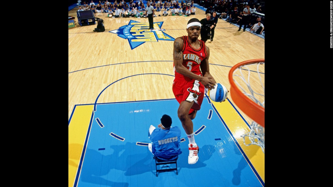 In the first round, Smith jumped over a seated Kenyon Martin to slam home Martin's alley-oop pass. In the finals, Smith rocked a throwback Dominique Wilkins jersey and paid homage with a classic windmill jam. Both Smith and Wilkins played for the Atlanta Hawks.