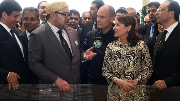 Moroccan King Mohammed VI inaugurated the plant on 4 February 2016. He talks here with the French minister for Ecology, Sustainable Development and Energy, Segolene Royal.