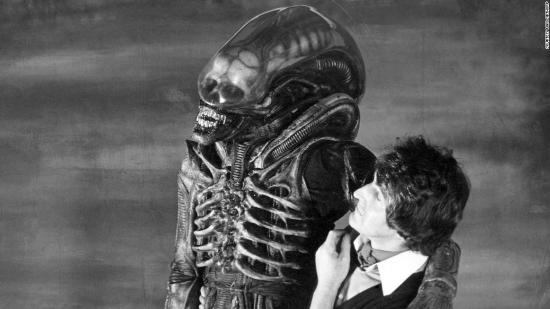 bolaji badejo the man who played alien cnn