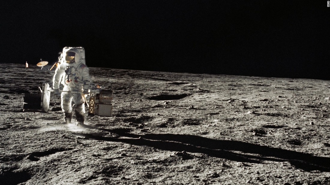 all photos and videos from apollo moon landing - photo #41