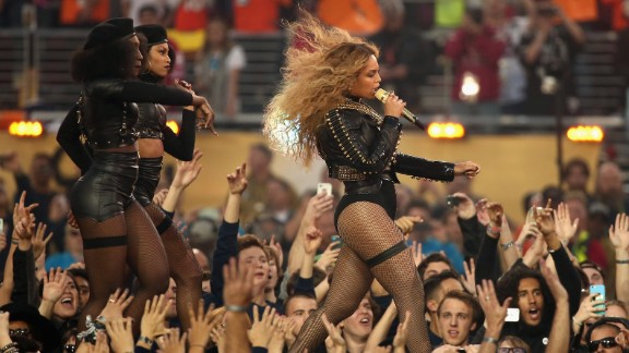 SANTA CLARA, CA - FEBRUARY 07:  Beyonce (R) performs onstage during the Pepsi Super Bowl 50 Halftime Show at Levi's Stadium on February 7, 2016 in Santa Clara, California.  (Photo by Christopher Polk/Getty Images)
