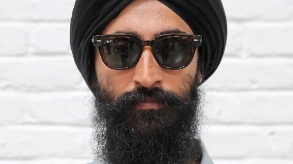 Sikh men who wear turbans shouldn't face discrimination, actor-designer Waris Ahluwalia says.
