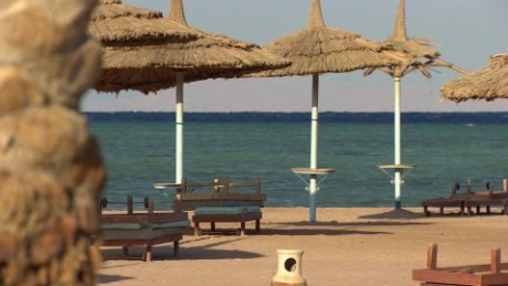 egypt sharm el sheikh tourism suffering lee pkg_00001007