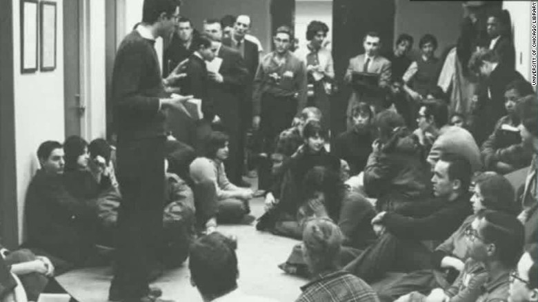 Campaign manager: Confident sit-in photo is Sanders