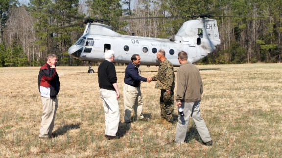 Scalia shakes hands with  U.S. Marines Corps  Maj. Gen. Robert C. Dickerson, commanding general, upon Scalia's arrival at Marine Corps Base Camp Lejeune, North Carolina, for an official visit on March 12, 2004.