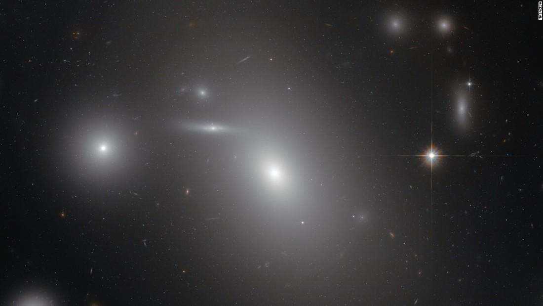 Hubble image: Dormant black hole, in a word, is gargantuan