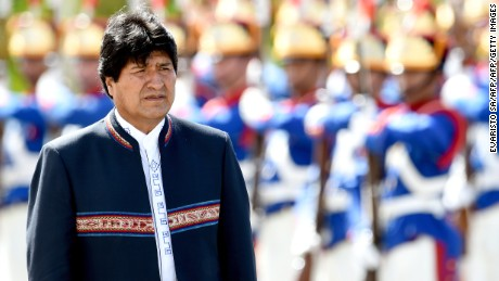 Bolivian President Evo Morales reviews the guard of honour at Planalto Palace in Brasilia, on February 2, 2016. Morales, on his first visit after the diplomatic crisis between both countries created by the asylum given by Brazil to former Bolivian senator Roger Pinto Molina in 2012, seeks a rapprochement with President Dilma Rousseff's government. AFP PHOTO/EVARISTO SA / AFP / EVARISTO SA        (Photo credit should read EVARISTO SA/AFP/Getty Images)