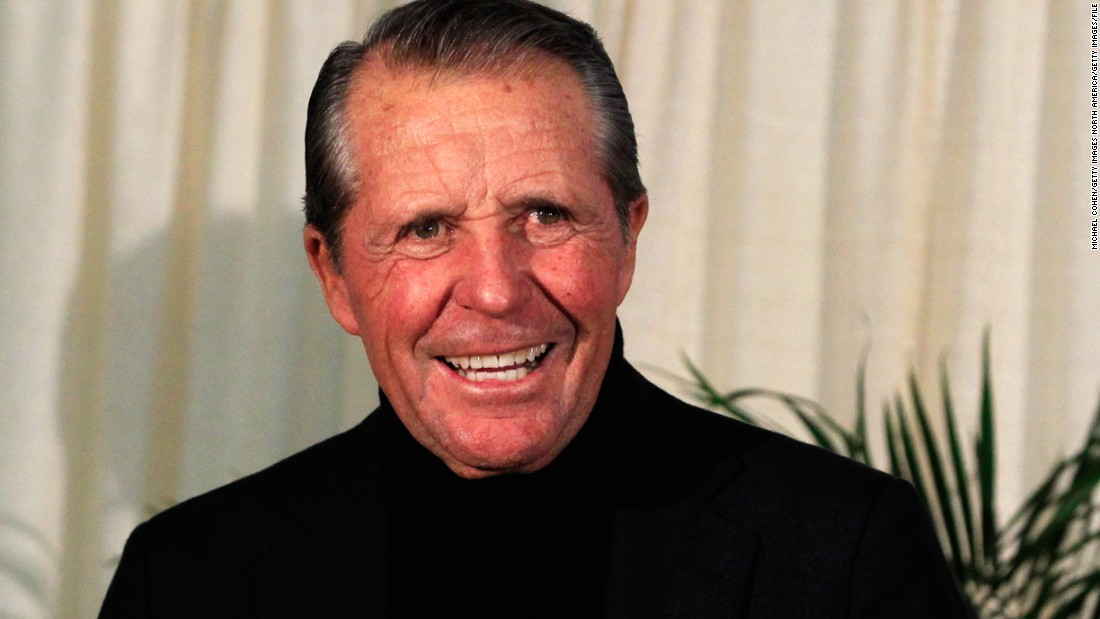 <strong>9: </strong>Gary Player<br /><br /><strong>2015 Earnings:</strong> $19M<br /><br /><strong>Retired:</strong> 2009