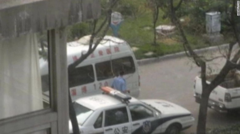 Man stabs 10 children in China