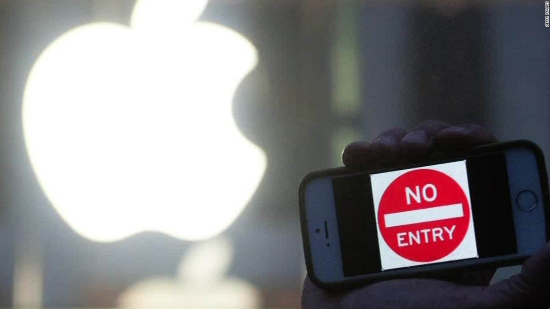 Apple to U S  lawmakers: Privacy at stake if it helps FBI