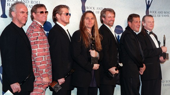 NEW YORK, UNITED STATES:  The Eagles (from left:) Bernie Leadon, Joe Walsh, Don Henley, Timothy Schmit, Don Felder, and Randy Meisner appear together after receiving their awards and being inducted into the Rock & Roll Hall of Fame 12 January in New York. The thirteenth annual Rock and Roll Hall of Fame induction dinner honored Fleetwood Mac, Santana, The Mamas and Papas, Gene Vincent and Lloyd Price.  AFP PHOTO Jon LEVY (Photo credit should read JON LEVY/AFP/Getty Images)