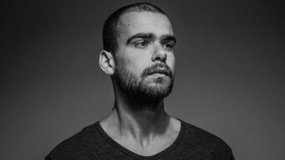 Photographer Mario Cruz