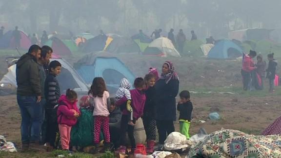 sent migrants back to turkey dnt damon wrn_00000205.jpg