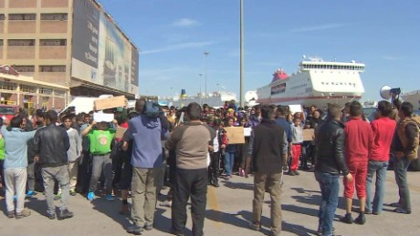 refugees stranded piraeus port greece pkg shubert _00020230