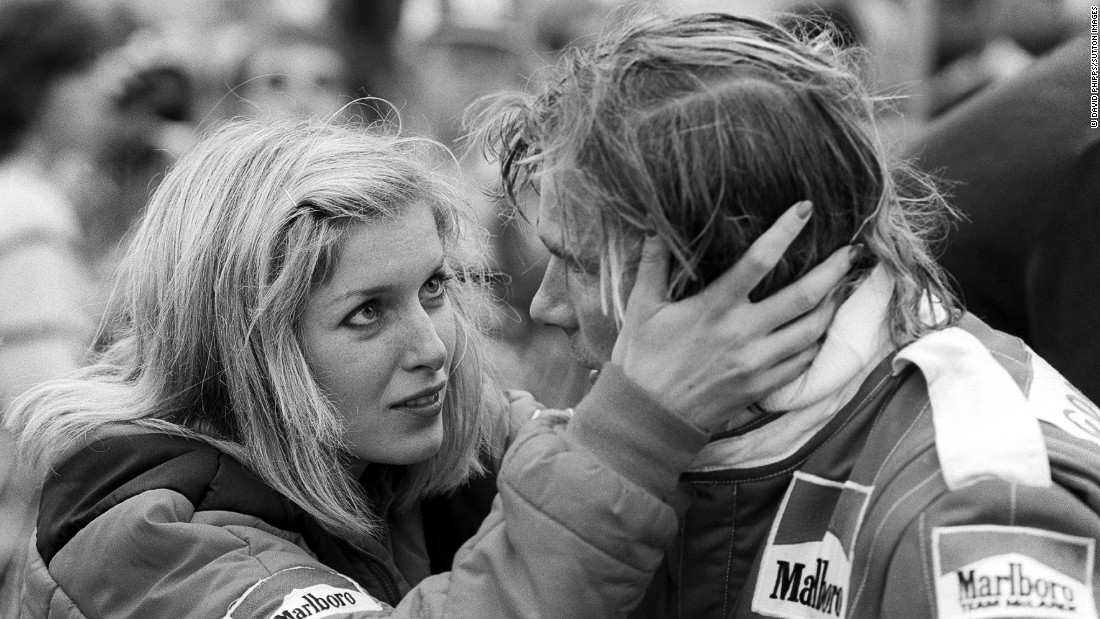 Hunt with his girlfriend Jane Birbeck at the 1977 United States Grand Prix West in Long Beach. Hunt had a long relationship with the model before marrying Sarah Lomax, with whom he had two sons, Freddie and Tom.