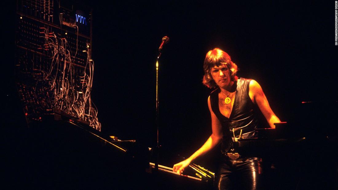 Keith Emerson of Emerson, Lake & Palmer dead at 71 - CNN