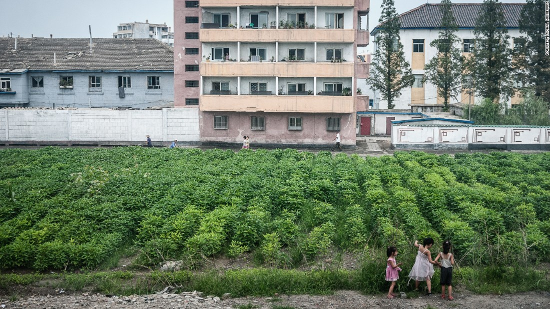 North Korea's apartments remind Huniewicz of the ones he saw in Eastern Europe, the photographer tells CNN.