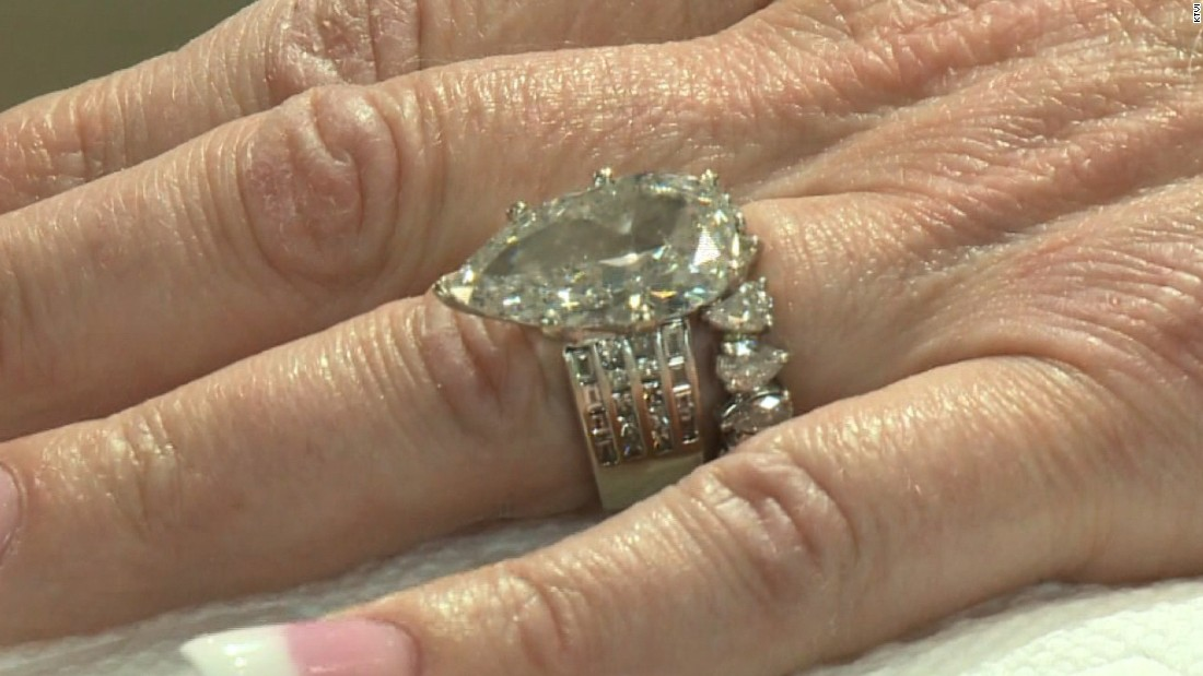 wedding ring found in garbage cnn - Used Wedding Rings For Sale