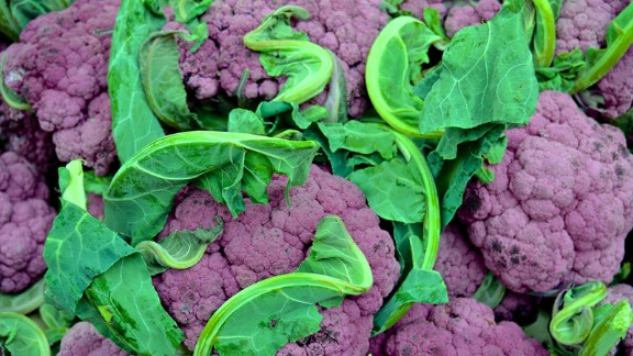 Purple cauliflower is not dyed: its vibrant hue occurs naturally due to the presence of anthocyanins.