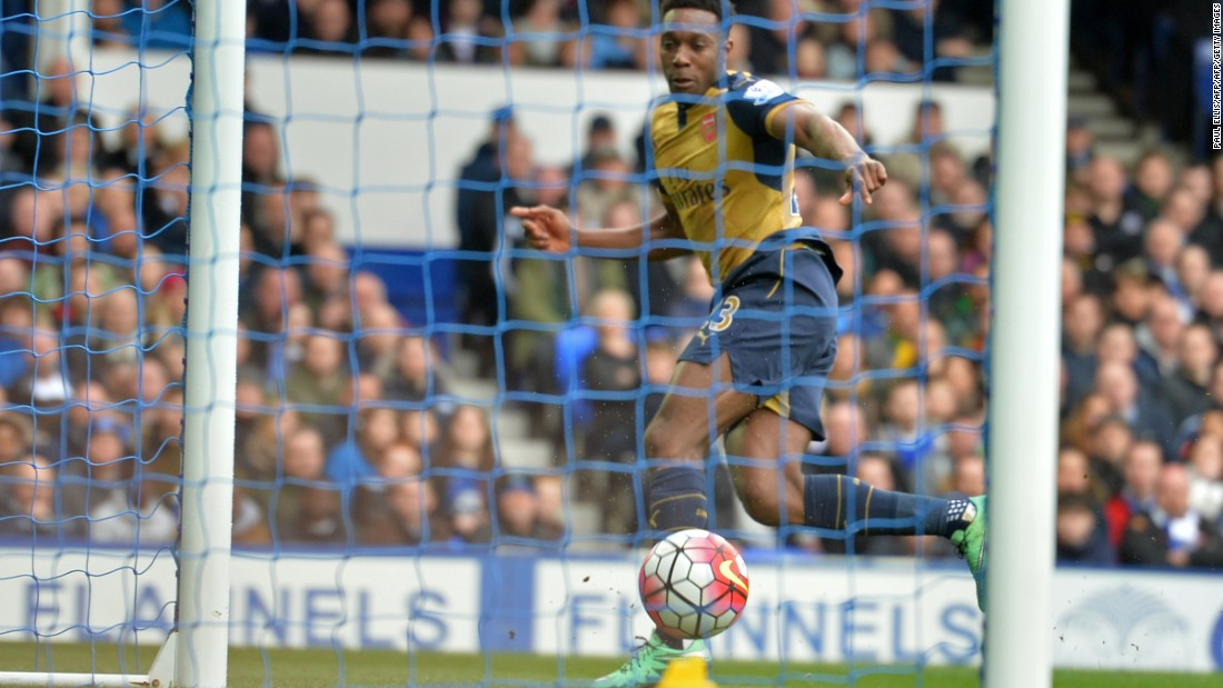 Arsenal's Danny Welbeck continued his fine form on return from injury, scoring his fourth goal in nine matches.