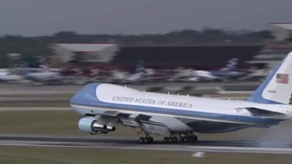 President Obama lands in Cuba_00001713.jpg