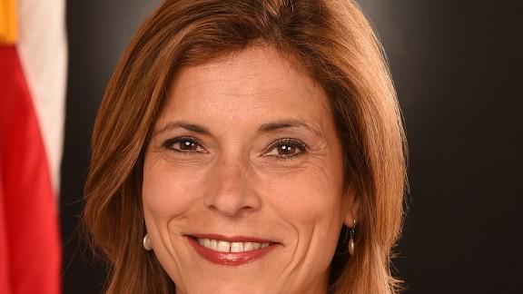 Joanne Chiedi