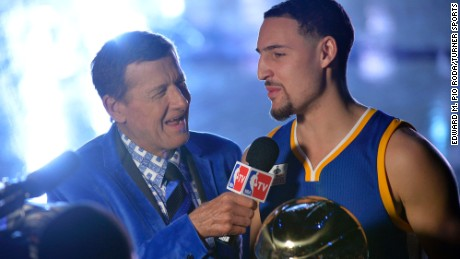 Sager interviews Klay Thompson before the 2016 NBA All-Star Game.