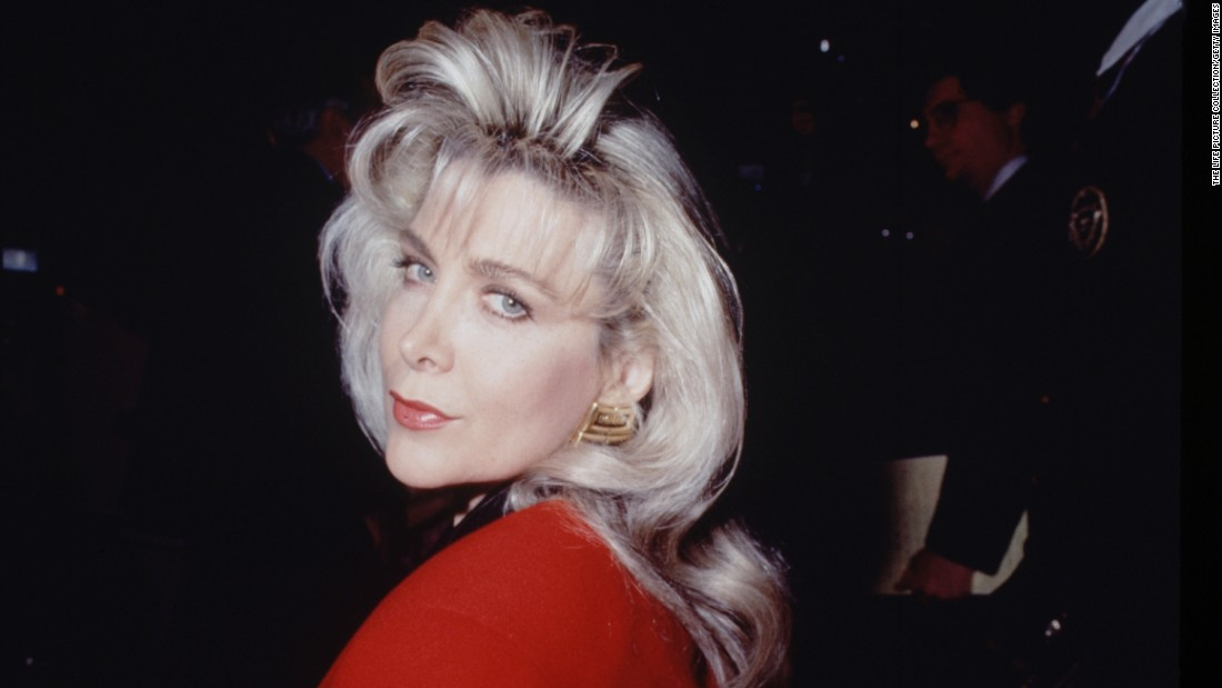 Are Gennifer flowers naked you