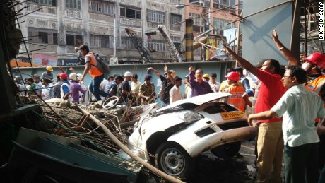 Kolkata overpass collapse kills 24; rescuers dig for survivors