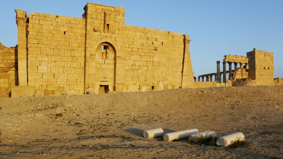 Before: The Temple of Bel in 2008.
