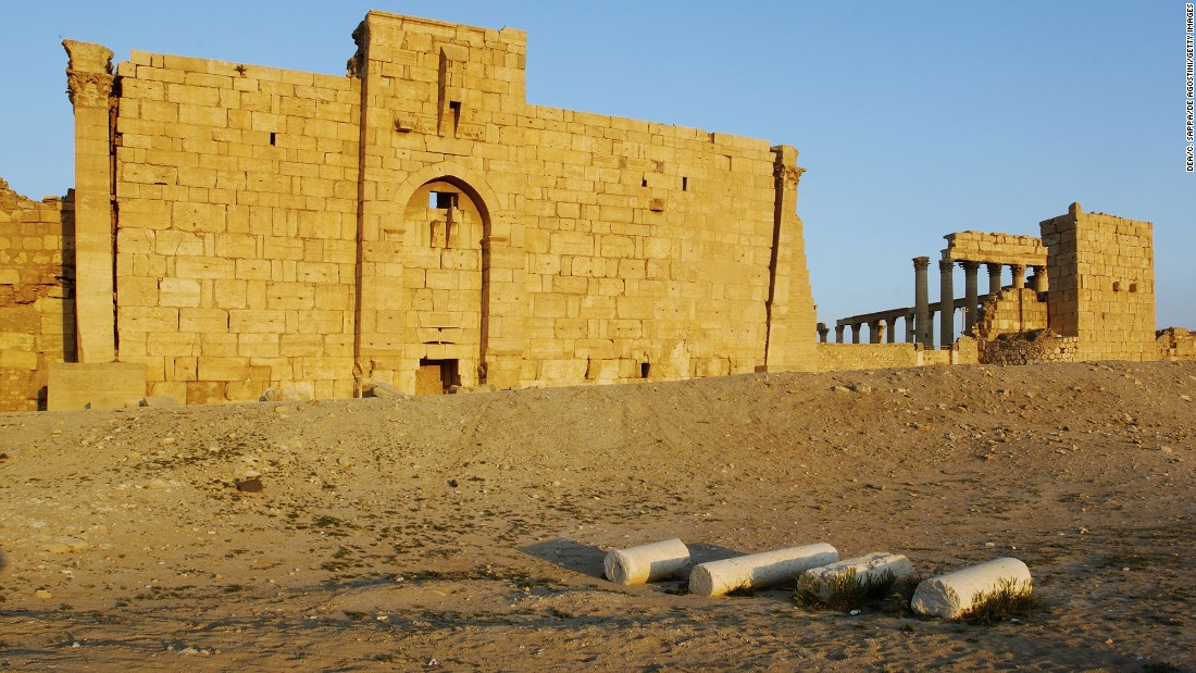 <strong>Before: </strong>The Temple of Bel in 2008.