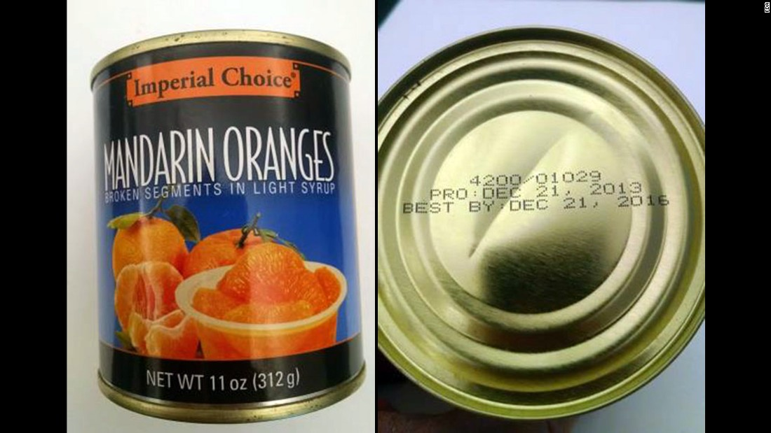 "A Pennsylvania food bank <a href=""http://www.cnn.com/2016/03/31/health/mandarin-oranges-recall/index.html"" target=""_blank"">is asking consumers to throw away</a> cans of Mandarin oranges distributed from August to January, the U.S. Food and Drug Administration said Thursday, March 31."