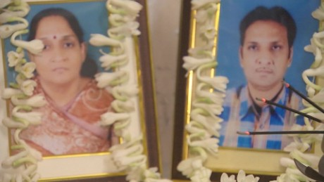 India Kolkata Collapse Mourning family udas pkg_00004701