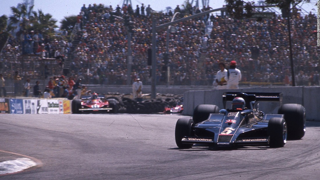 Mario Andretti pilots his Lotus Ford car around the Long Beach circuit during the 1977 United States Grand Prix West.
