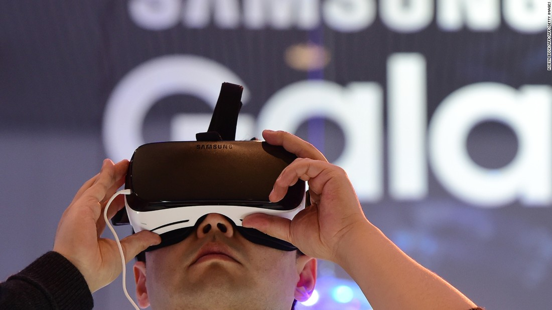 While primarily targeting medical students and trainees, many of the people tuning in were people in search of content, using gadgets such as Samsung Gear VR.