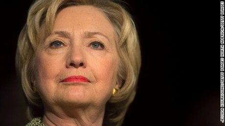 Clinton defends minimum wage stance