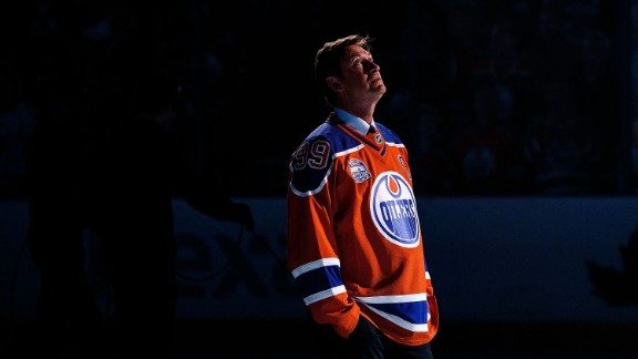 EDMONTON, AB - Former Edmonton Oilers forward Wayne Gretzky looks to the rafters during the closing ceremonies at Rexall Place following the game between the Edmonton Oilers and the Vancouver Canucks on April 6, 2016, at Rexall Place in Edmonton, Alberta, Canada. (Photo by Codie McLachlan/Getty Images)