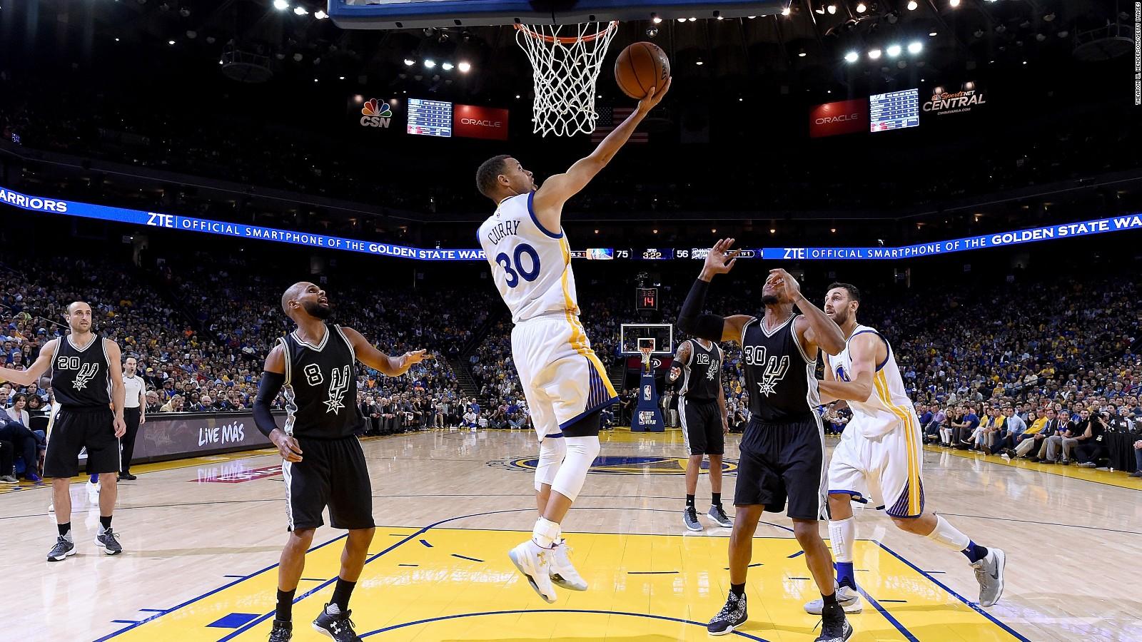 Golden State Warriors Break Nba Wins Record Cnn Video