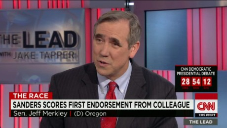 bernie sanders endorsement first senate colleague jeff merkley lead intv_00030322