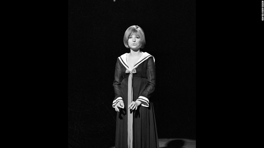 Streisand rehearses a couple weeks before the show aired.