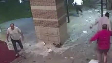 jackson prep school roof caves from heavy rain wlbt pkg_00011021