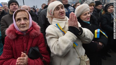 Ukraine in political crisis as 'heavy weaponry' returns
