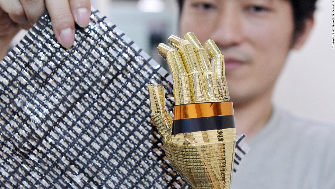 In 2008, Someya's team made the skin both flexible and stretchable, by incorporating into the design an elastic sheet containing carbon nano-tubes that can conduct electricity.