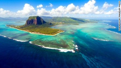 Underwater Waterfall and 13 Other Mauritius Must See